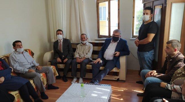 Bakan Soylu, öldürülen Suriyeli gencin ailesine taziyelerini ilettti