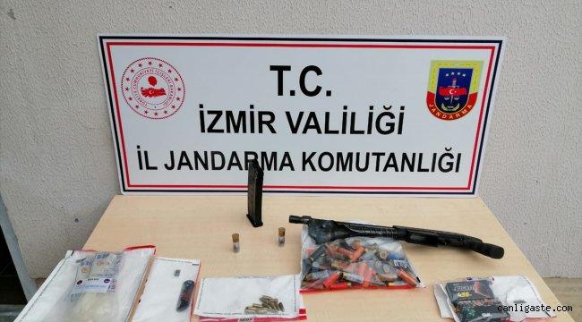 İzmir Son Dakika Haberi: İzmir'de emekli öğretmeni öldürdüğü iddiasıyla 2 kişi gözaltına alındı