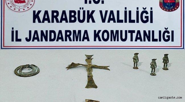 Karabük Asayiş Haberi: Karabük'te tarihi eser operasyonunda çeşitli objeler bulundu