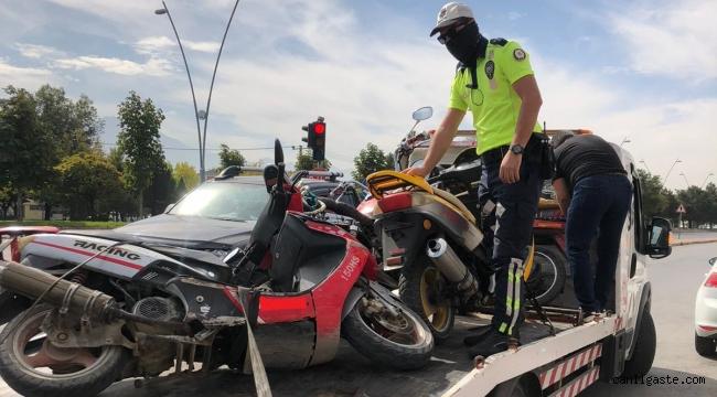 Kayseri'de 4 günde 350 motosiklet sürücüsüne cezai işlem uygulandı. 88 motosiklet trafikten men edildi