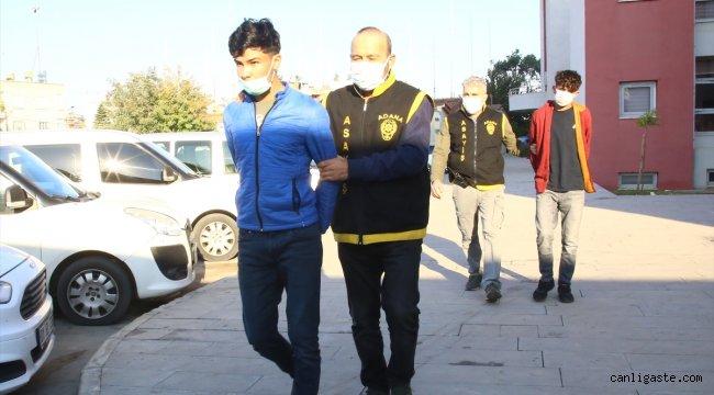 Adana'da bir kişiyi bıçaklayıp cep telefonunu gasbeden zanlılar tutuklandı