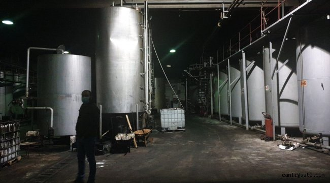 Afyonkarahisar'da 15 bin litre kaçak akaryakıt ele geçirilen kamyonun sürücüsü gözaltına alındı