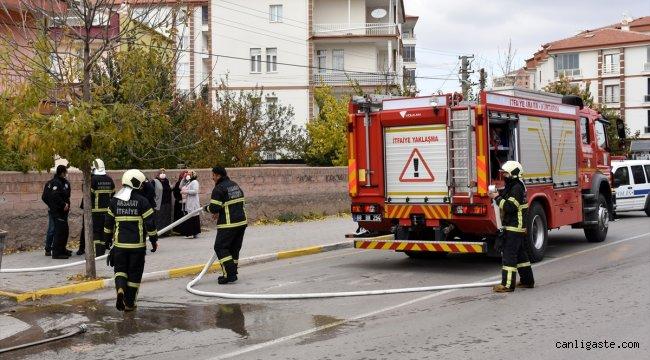 Aksaray'da benzin dökülen soba patladı çıkan yangında 5 kişi yaralandı