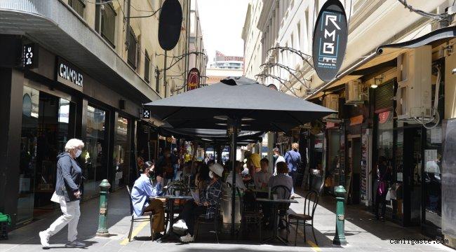 Avustralya Kovid-19'un etkilediği kentlerin ekonomilerini canlandırmaya çalışıyor
