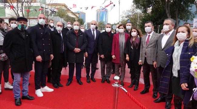 """Bakırköy'de """"Sağlık Çalışanlarına Saygı Anıtı"""" açıldı"""