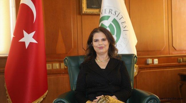 Çukurova Üniversitesi Rektörü Meryem Tuncel'den ailelere çocuklarıyla yargısız iletişim kurmaları önerisi: