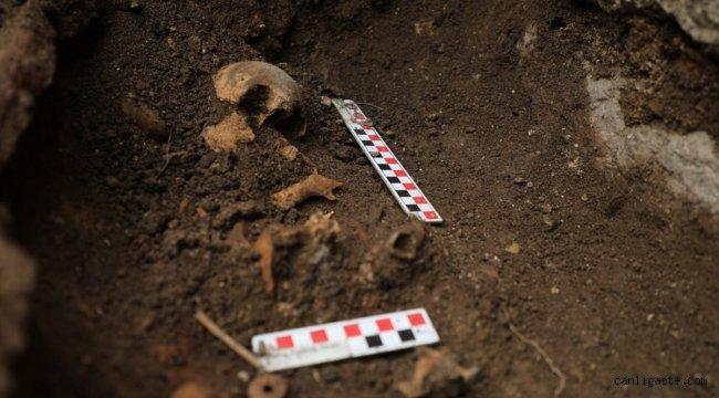 Düzce'deki antik kentte bebek iskeleti ve su arkı bulundu