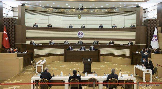 Eski Danıştay üyelerinin, Yüce Divan sıfatıyla Anayasa Mahkemesinde yargılanmalarına başlandı