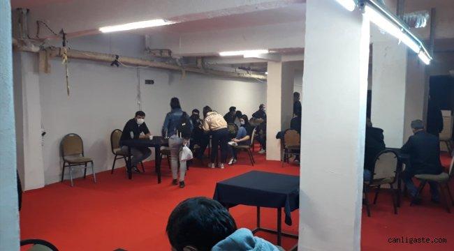 Eskişehir'de mühürlü dernek binasında kumar oynayan 45 kişiye para cezası