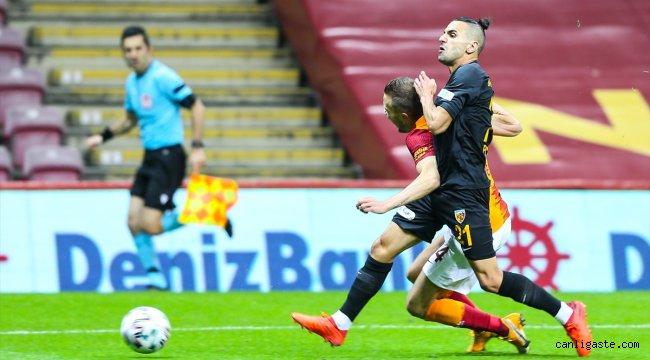 Galatasaray ile Hes Kablo Kayserispor arasında oynanan maç 1-1 berabere bitti