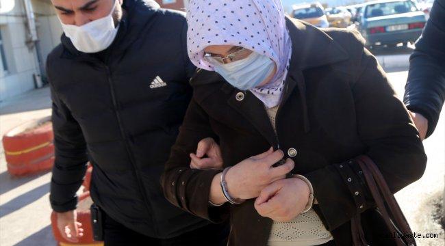 Sivas'ta boş arazide bulunan yeni doğmuş bebek kurtarılamadı