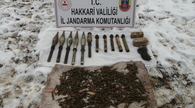 Hakkari'de terör örgütü PKK'ya ait patlayıcı, silah ve mühimmat ele geçirildi