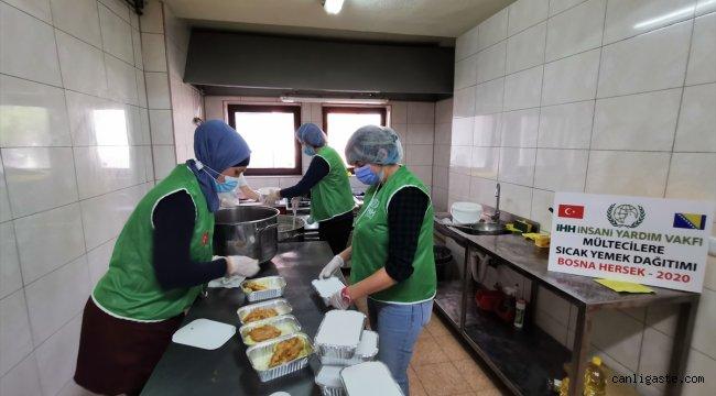 İHH'den Bosna Hersek'teki düzensiz göçmenlere sıcak yemek yardımı