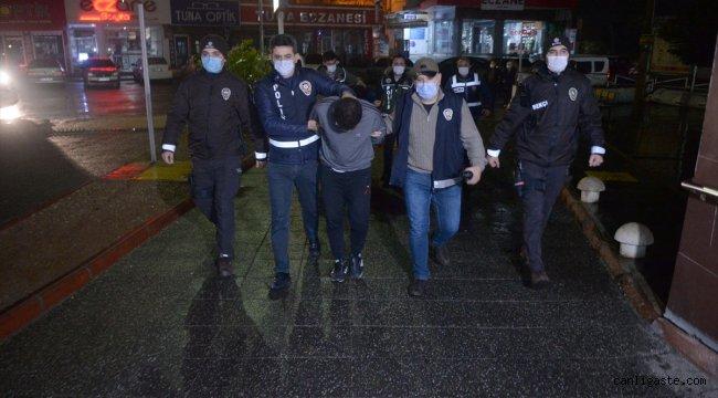 Kahramanmaraş'ta yaşlı çiftin ziynet eşya ve parasını çalan 2 kişi yakalandı