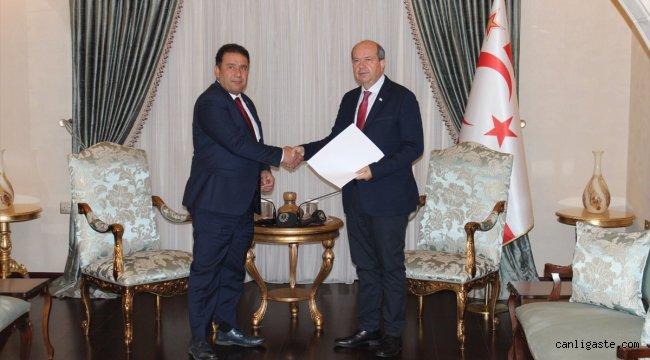 KKTC'de Saner, hükümet kurma görevini Cumhurbaşkanı Tatar'a iade etti