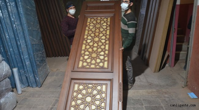 Manisalı firma yurt dışındaki camileri Osmanlı ve Selçuklu motifleriyle süslüyor