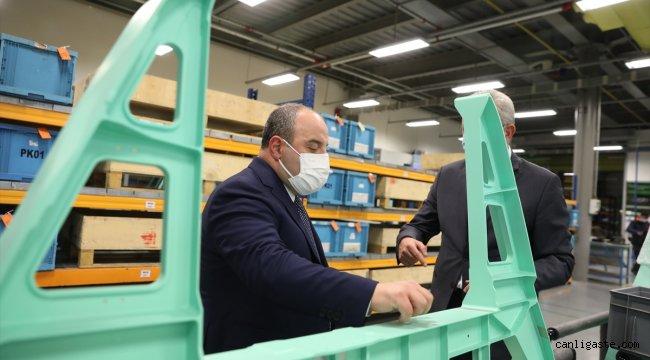 Sanayi ve Teknoloji Bakanı Mustafa Varank, Milli Turbojet Motoru'nu test etti