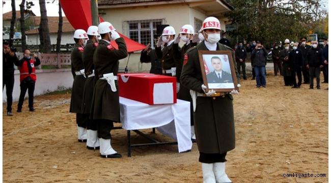 Şehit Yarbay Rasim Sayın Edirne'de son yolculuğuna uğurlandı
