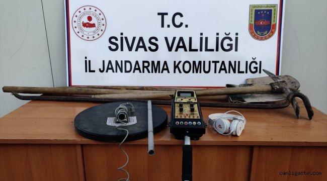 Sivas'ta kaçak kazı yapan 5 şüpheli yakalandı