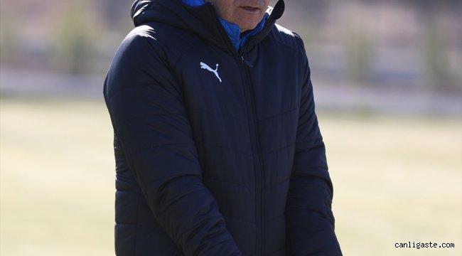 Sivasspor Teknik Direktörü Rıza Çalımbay'dan hakem eleştirisi: