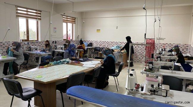 Sultanhanı'nda kadınlar meslek sahibi olmak için kursa katılıyor