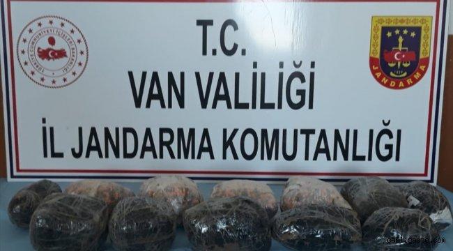 Van'da 10 kilogram sentetik uyuşturucu hap ele geçirildi