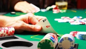 Eskişehir'de mühürlü iş yerinde kumar oynayan 35 kişiye para cezası
