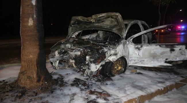 Adana'da kaza sonrası yanan otomobildeki sürücü yaralandı