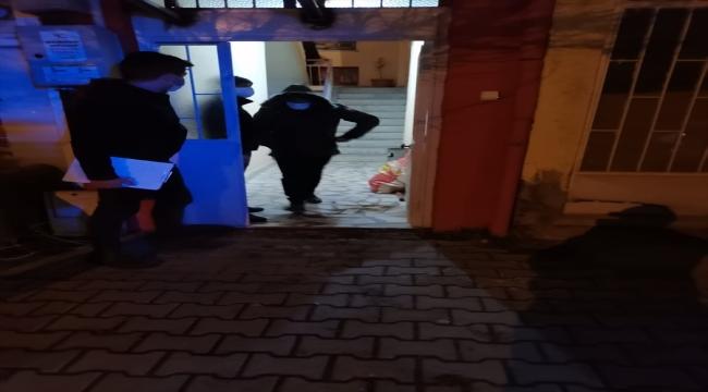 Afyonkarahisar'da evde kumar oynayan 16 kişiye ceza uygulandı