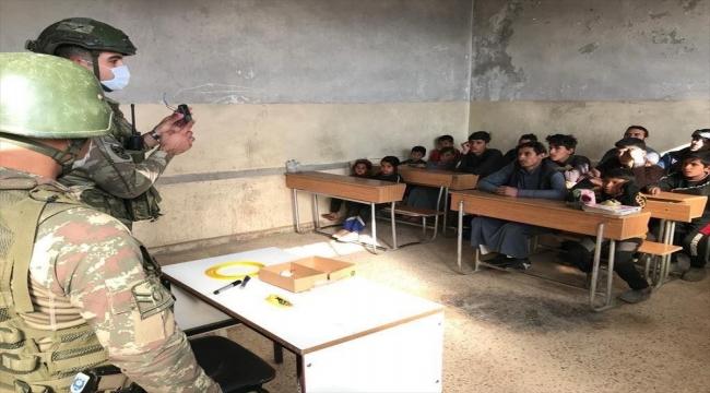 Barış Pınarı bölgesinde çocuklara mayın ve EYP'lere karşı korunma için eğitim veriliyor