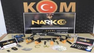 Bursa'da uyuşturucu ve silah ticareti operasyonunda yakalanan 5 kişiden 2'si tutuklandı