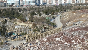 """CHP'li Meclis Üyesinin """"Mezarlık"""" iddiasına Büyükşehir Belediyesinden yanıt: Mezar yeri sıkıntımız yok"""