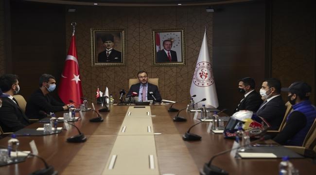 """Gençlik ve Spor Bakanı Kasapoğlu: """"Branş ayırt etmeden desteğimizi sunuyoruz"""""""