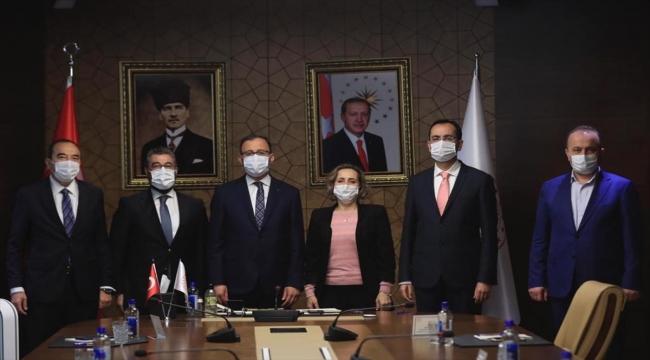 Gençlik ve Spor Bakanı Mehmet Muharrem Kasapoğlu, ekonomi muhabirlerini kabul etti