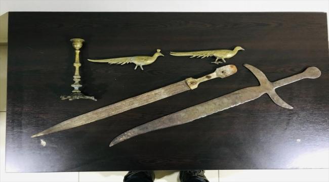 Kahramanmaraş'ta uyuşturucu operasyonunda tarihi objeler ele geçirildi
