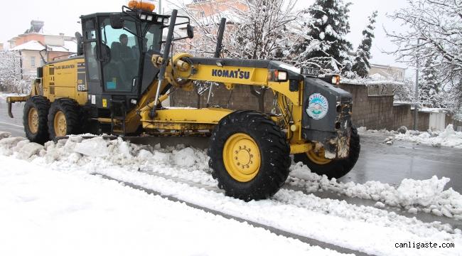 Kar yağdı, Talas Belediyesi anında müdahale etti