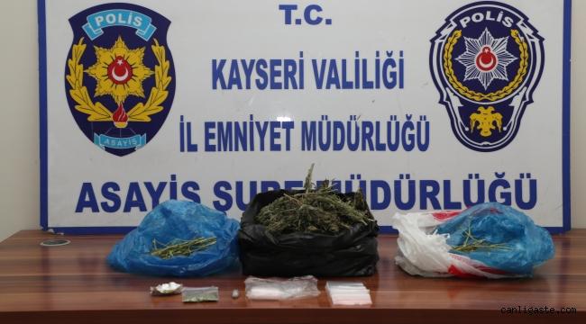 Kayseri'de aranan şahıslar operasyonunda 13 şahıs yakalanırken 850 gram esrar ele geçirildi