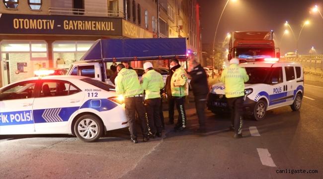 """Kayseri'de polisin """"dur"""" ihtarına uymayan alkollü tır sürücüsü kovalamaca sonucu yakalandı"""