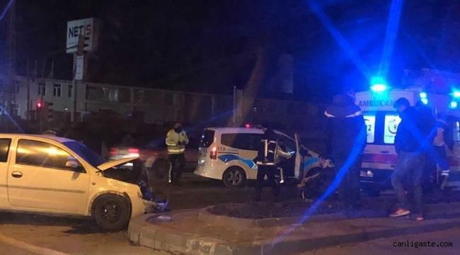 Kayseri Haberi: Kay-Koop'ta 2 Otomobil kafa kafaya çarpıştı: 2 yaralı