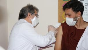 Kayseri İl Sağlık Müdürü uyardı: Aşı dolandırıcılarının oyununa gelmeyin!