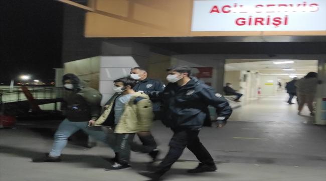 Manisa'da uyuşturucu ele geçirilen otomobildeki iki zanlı tutuklandı