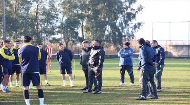 """Menemenspor Teknik Direktörü Ümit Karan: """"Yüreğimizi ortaya koymamız gerekiyor"""""""