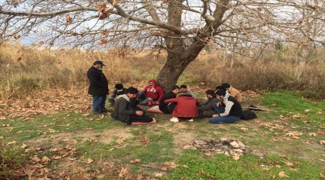 Mersin'de 14 düzensiz göçmen yakalandı