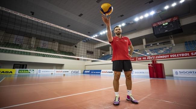 """Milli voleybolcu Adis Lagumdzija: """"Hedefimiz grup birincisi olarak Avrupa Şampiyonası'na katılmak"""""""