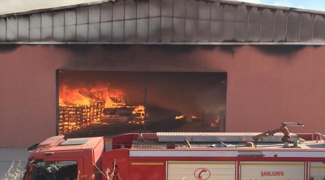 Şanlıurfa'da lojistik deposunda yangın