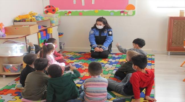 Şırnak'ta polisler anaokulu öğrencileriyle bir araya geldi