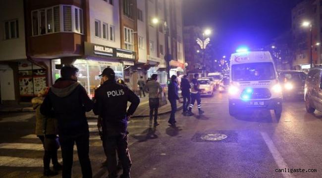 Sivas'ta ehliyetsiz sürücü yayalara çarptı: 4 yaralı