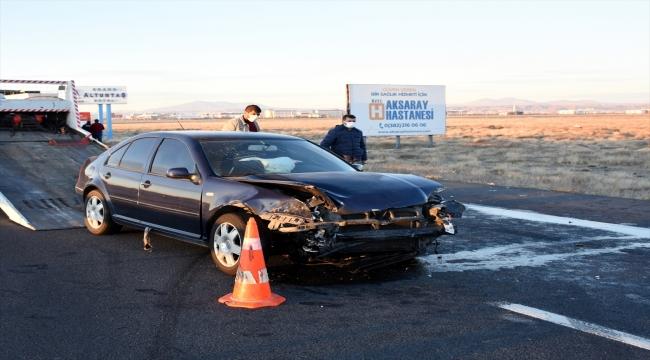 Aksaray'da otomobille tır çarpıştı: 5 yaralı