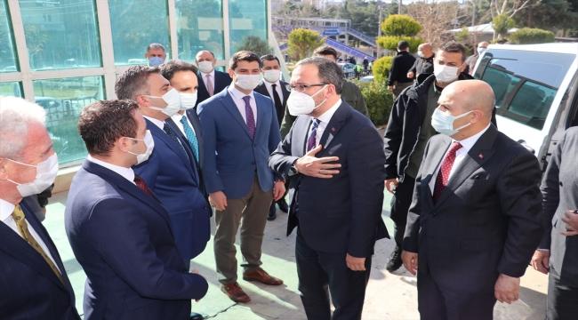 Gençlik ve Spor Bakanı Kasapoğlu, Mardin'de temaslarda bulundu