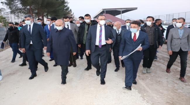 Gençlik ve Spor Bakanı Kasapoğlu, Mardin Kızıltepe'de ziyaretlerde bulundu